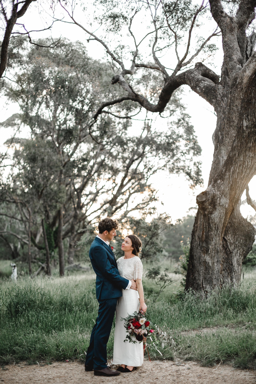 rustic wedding backdrop ideas