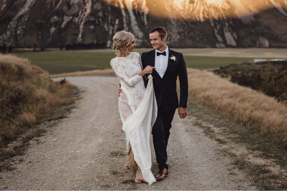 bride and groom wedding photo poses