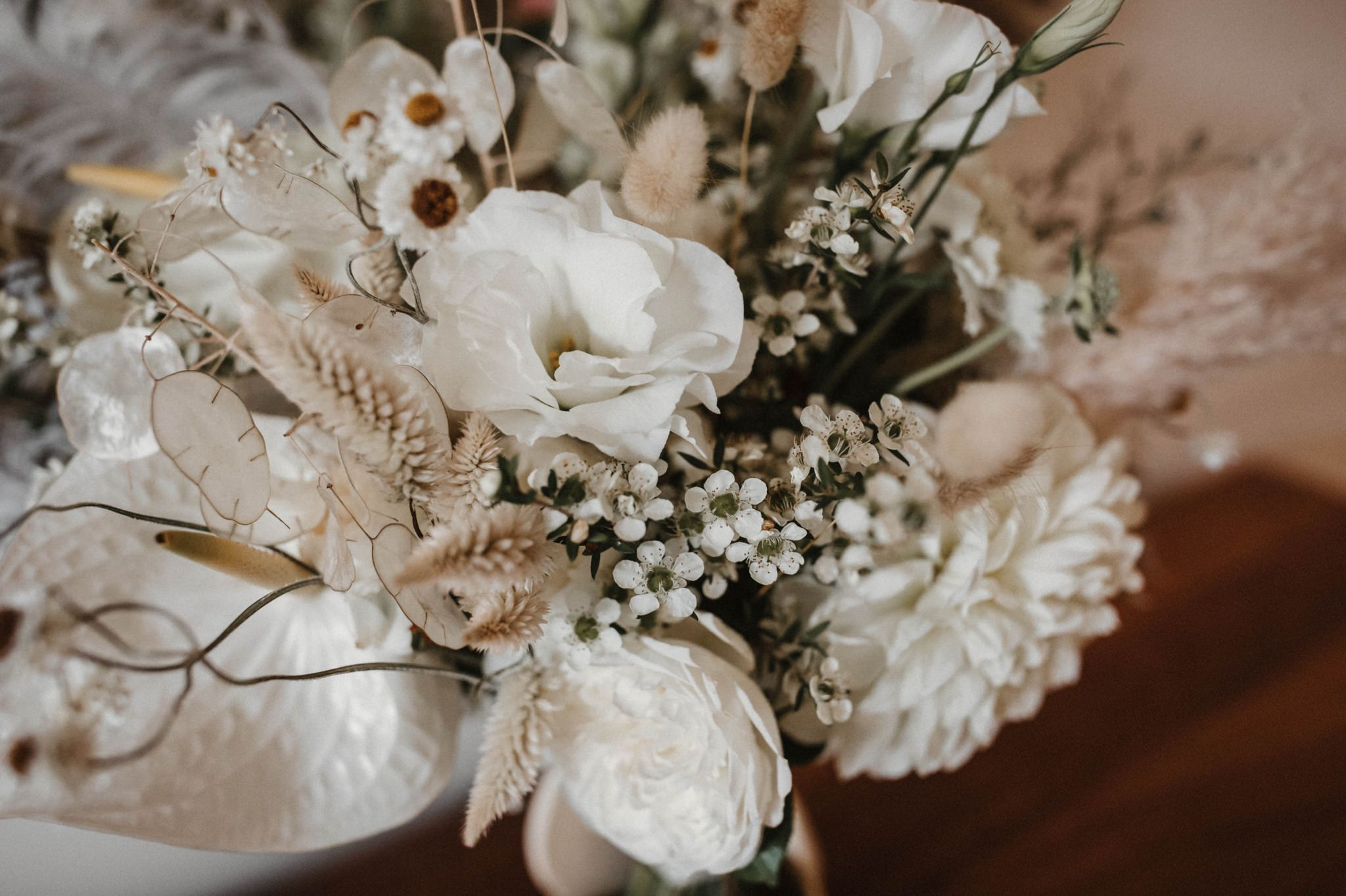new years eve wedding flowers
