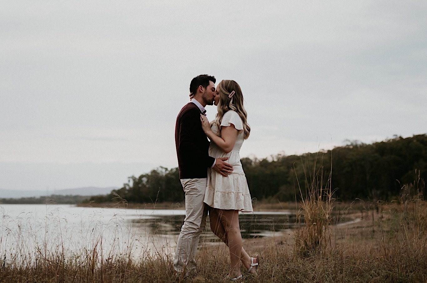 what to wear for engagement photos outdoors for men